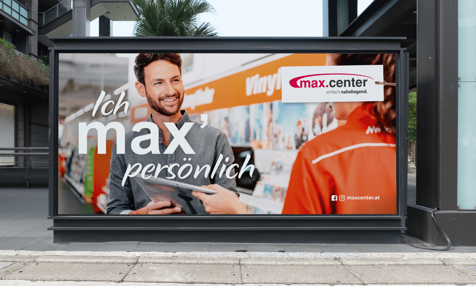 Plakat Max Center mit Mann
